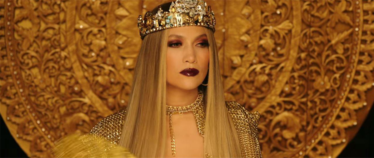 5a99309ca915 Jennifer López estrena videoclip junto a Miguel Ángel Silvestre ...