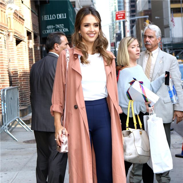 Jessica Alba, de V.B. Collection