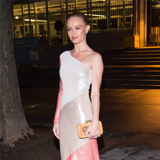 Kate Bosworth con el vestido de invitada perfecta