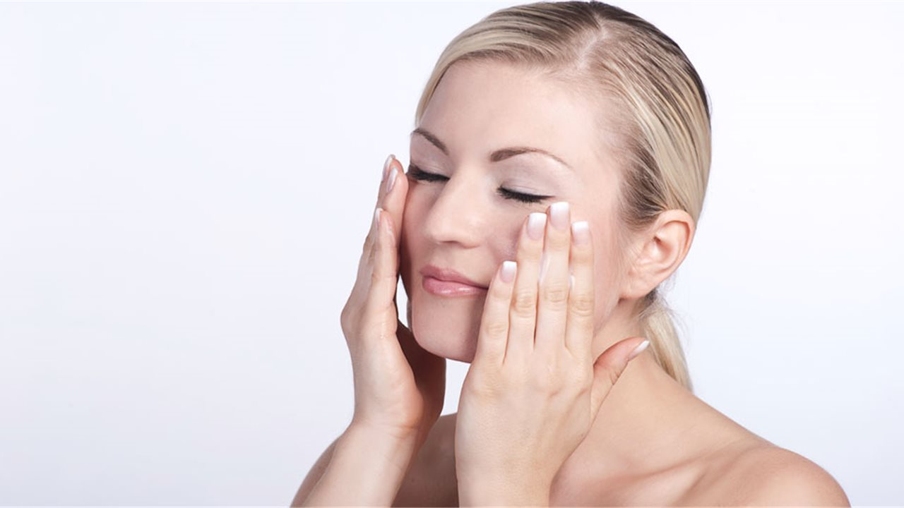 Limpieza facial: la rutina diaria estrella, ahora también con ...