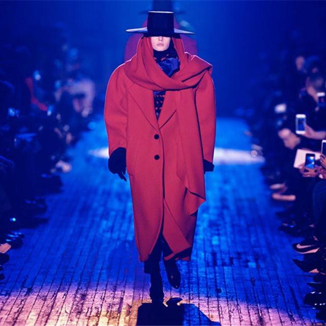 Marc Jacobs da una lección de excesos para cerrar la New York Fashion Week