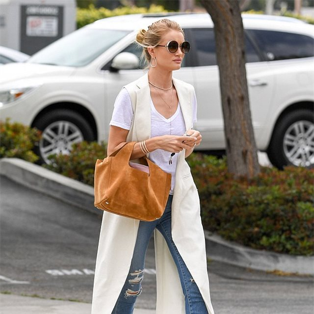 Rosie Huntington-Whiteley, de Net-à-Porter