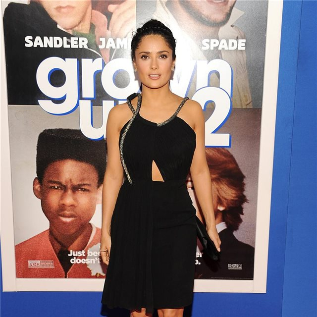 Salma Hayek, con look de Saint Laurent