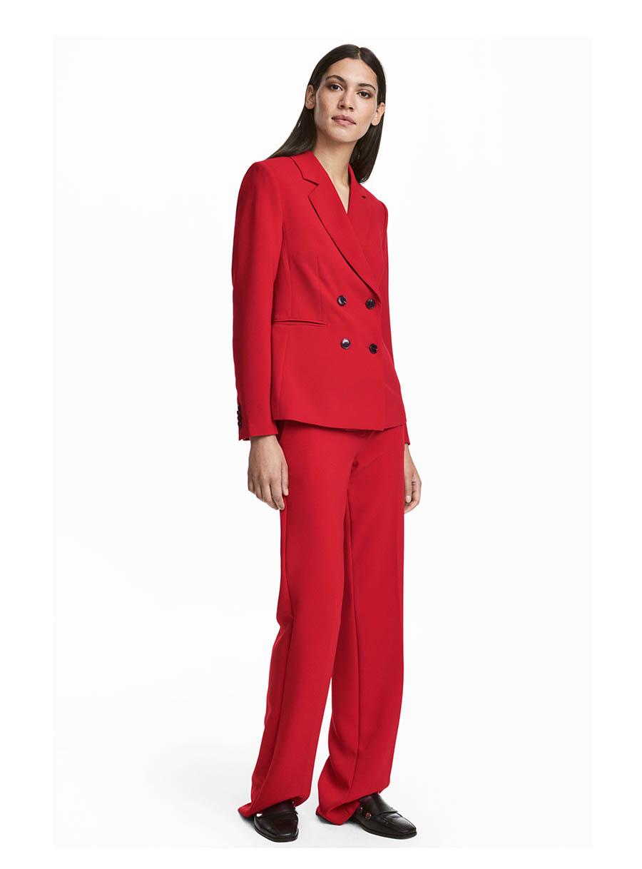 68fc0b2fc3097 Traje chaqueta de mujer rojo  un básico primaveral de Letizia Ortiz ...