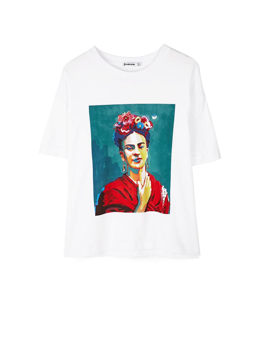 7dfa626262 Camsieta Frida Kahlo nueva. Frida Kahlo y su camiseta más colorida del  verano