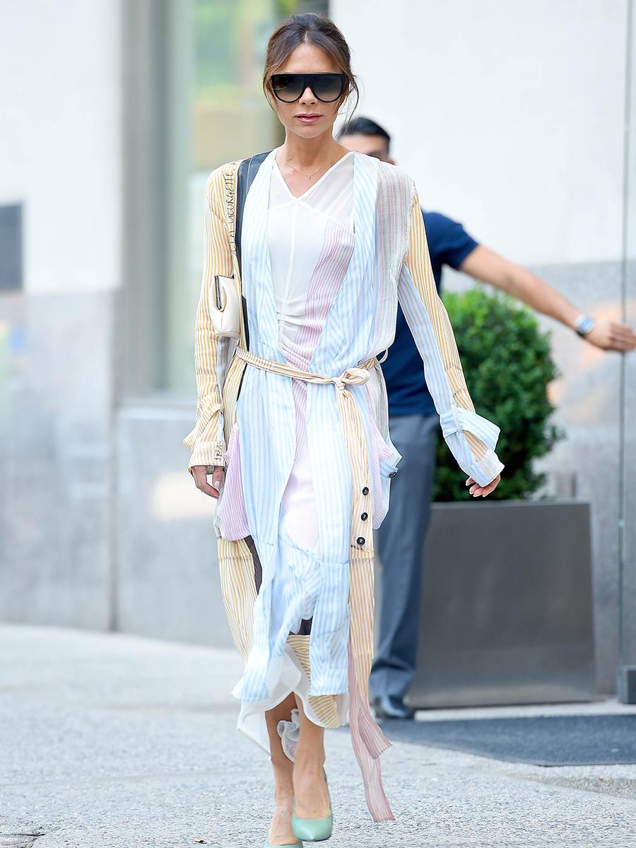 ea89899522e07 Vestido largo Victoria Beckham. Los vestidos que estilizan siempre son  fluidos