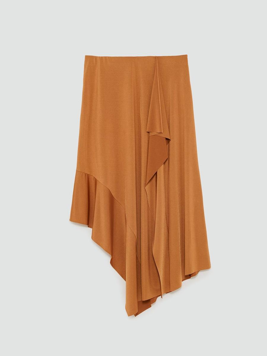 Falda larga de Zara Beige. La falda larga de Zara más sencilla y elegante 0e8b712f56dc