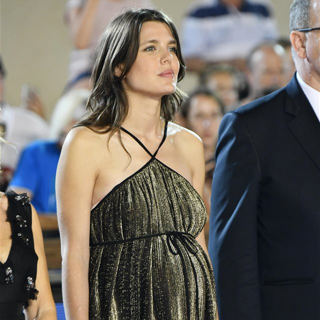 Carlota Casiraghi presume de la recta final de su embarazo
