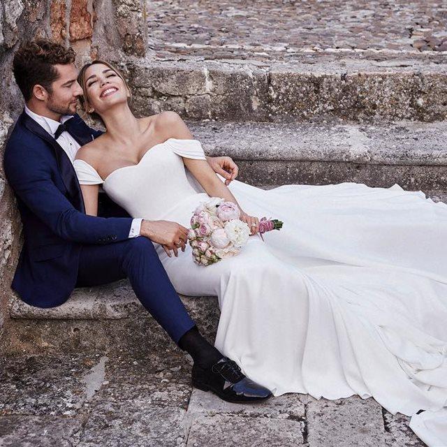 maría castro lleva el perfecto vestido de novia en su mágica boda