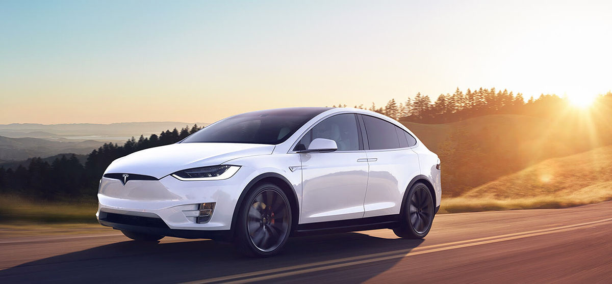 White Cruise-1440. Tesla X