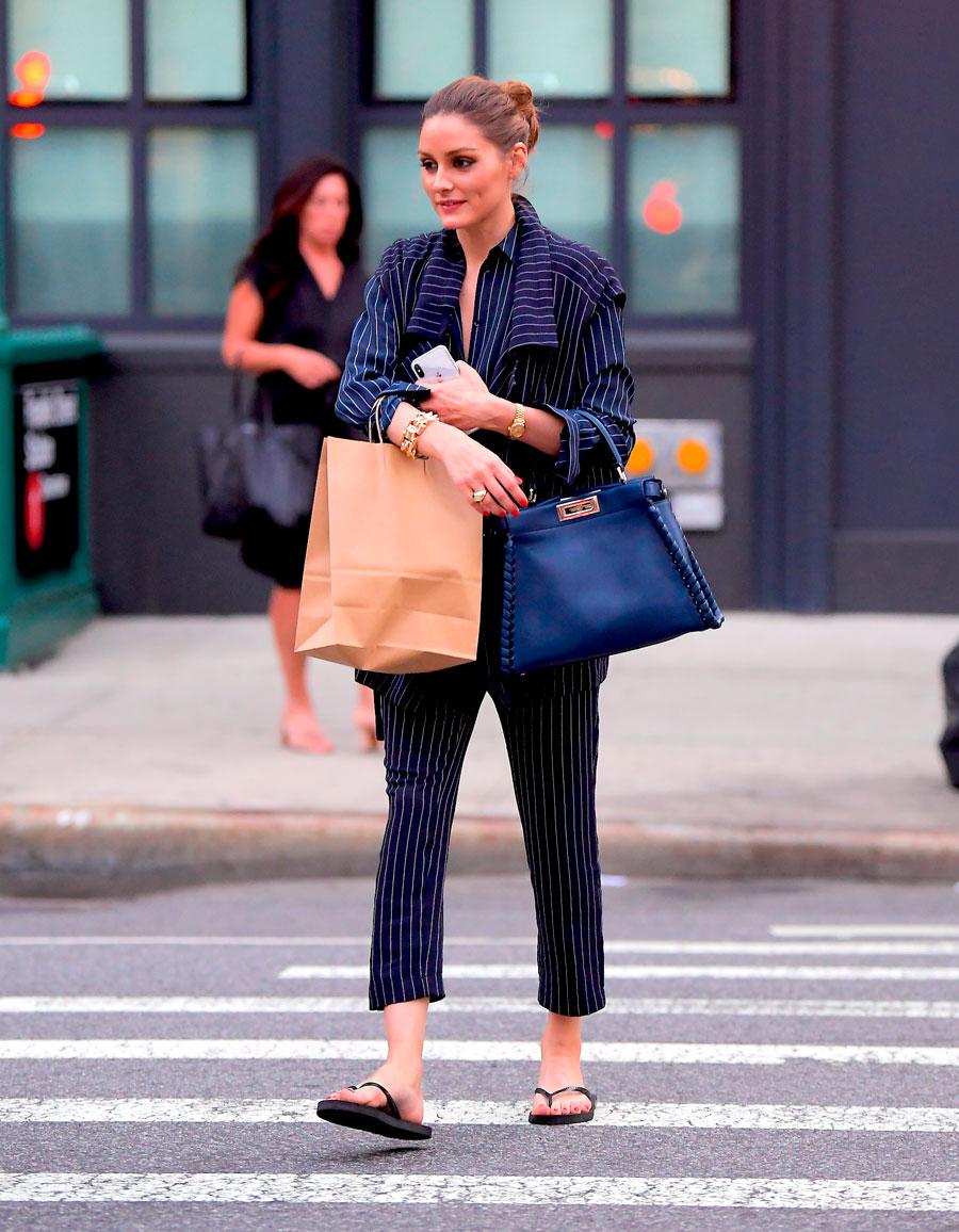 Olivia-Palermo-look-traje-con-chanclas. Chanclas de mujer + 8a07e6bda95