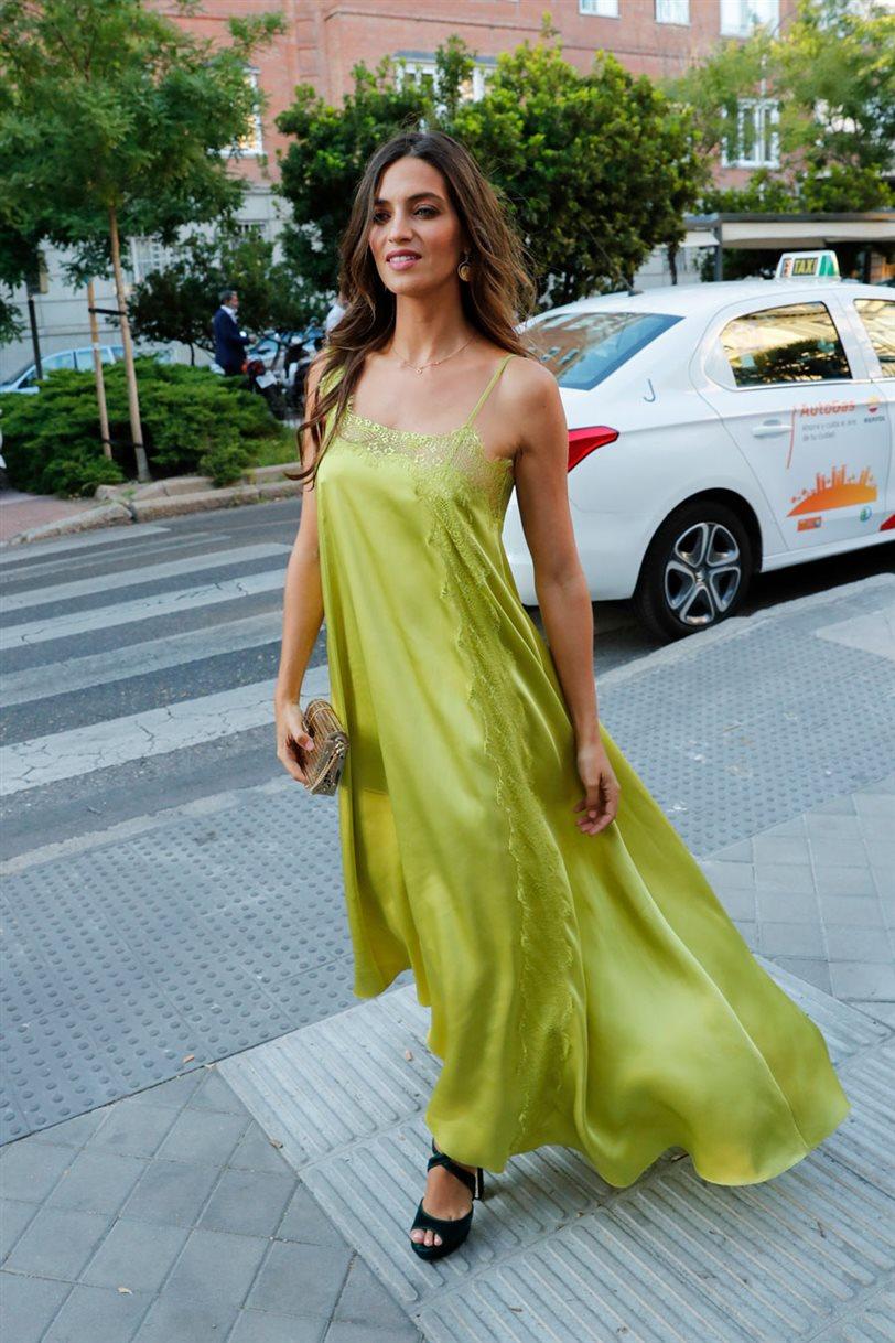 Vestido lencero verde lima asos
