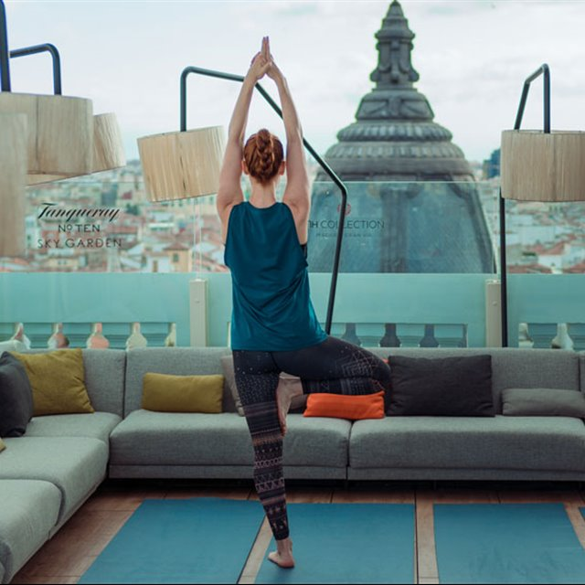 SECRET YOGA CLUB CELEBRA EL MES DE LAS NUECES