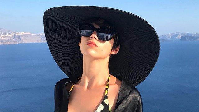 El look de Úrsula Corberó en Instagram con gorra marinera - InStyle 487b0aeb1f6