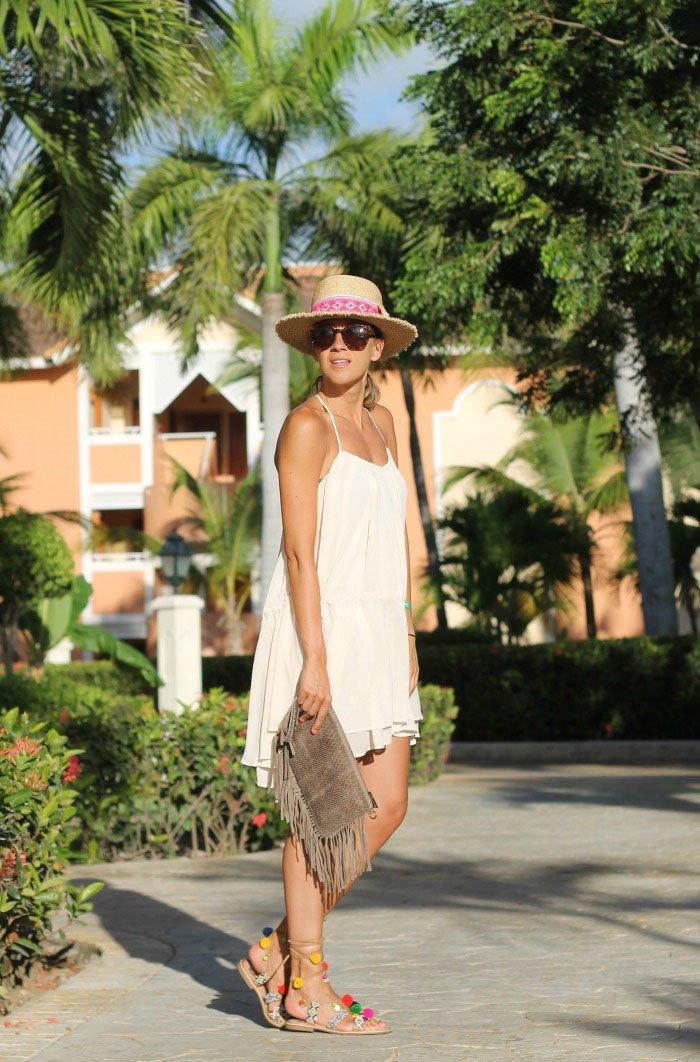 Look 1  sombrero de rafia + vestido vaporoso 2f9bc2887da