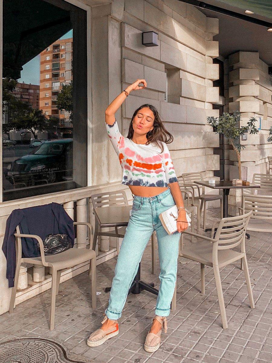 Vaqueros rectos: los pantalones de mujer que favorecen ¡están de moda!