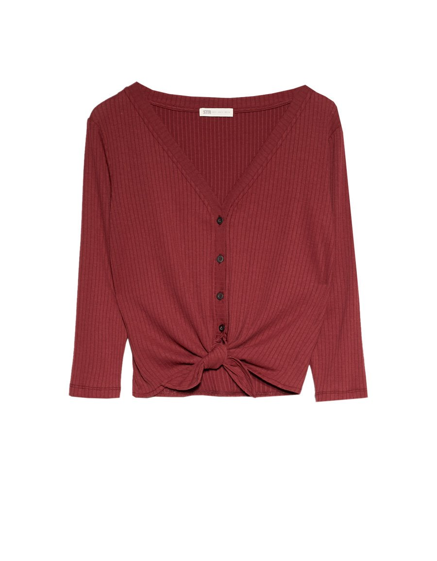 camiseta-granate-Stradivarius. Top granate anudado