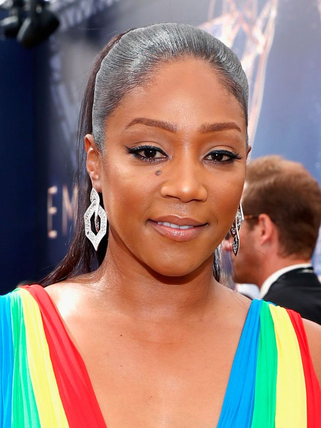 emmy-tiffany-haddish-maquillaje. Tiffany Haddish