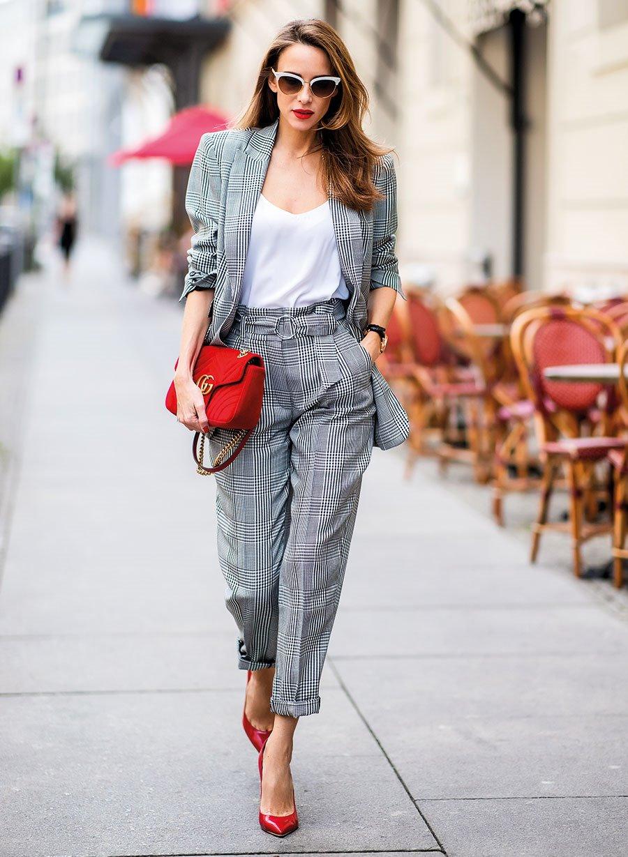 8ebe3b346c Pantalones de tiro alto de mujer  los más de moda del otoño 2018 ...
