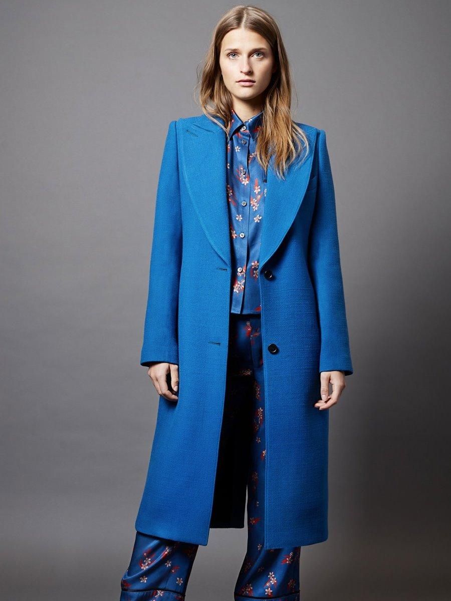 Resultado de imagen de abrigo azul