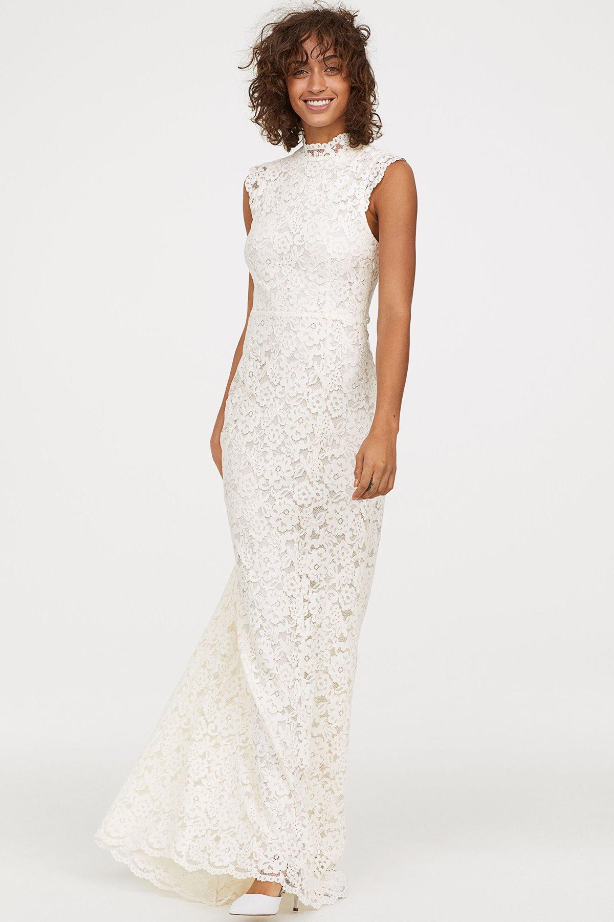 d1a6e447 Si pensabas que ya no te podías hacer con alguno de los vestidos de novia 'low  cost' pero preciosos de H&M, hoy tenemos una muy buena noticia para ti: ...