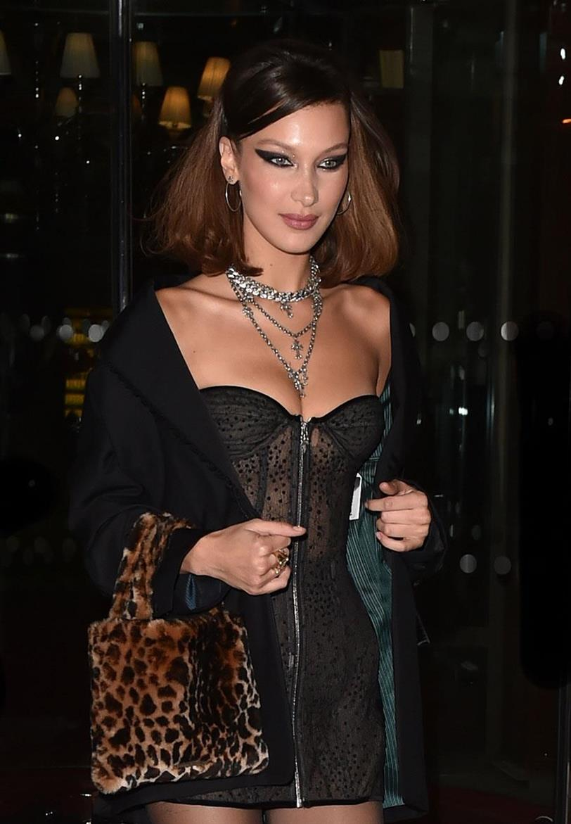 eyeliner Bella Hadid cat eye