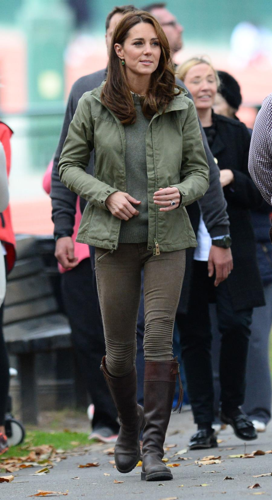 kate-middleton-look-campo. Los pantalones de Zara de Kate Middleton
