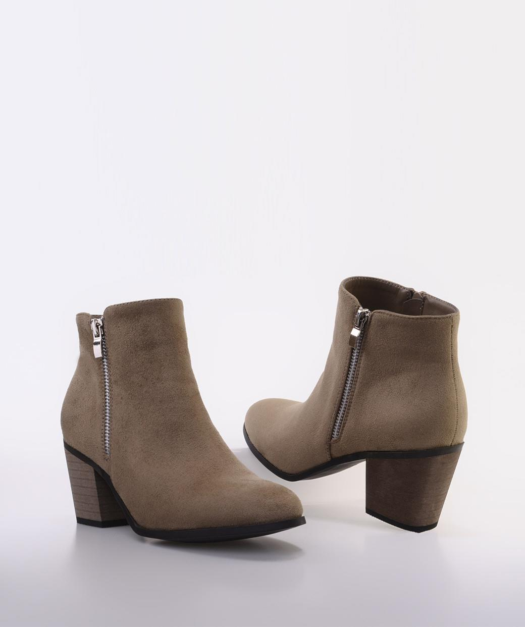 booties-ankle-boots-marypaz.  Cowboy inspired ankle boots