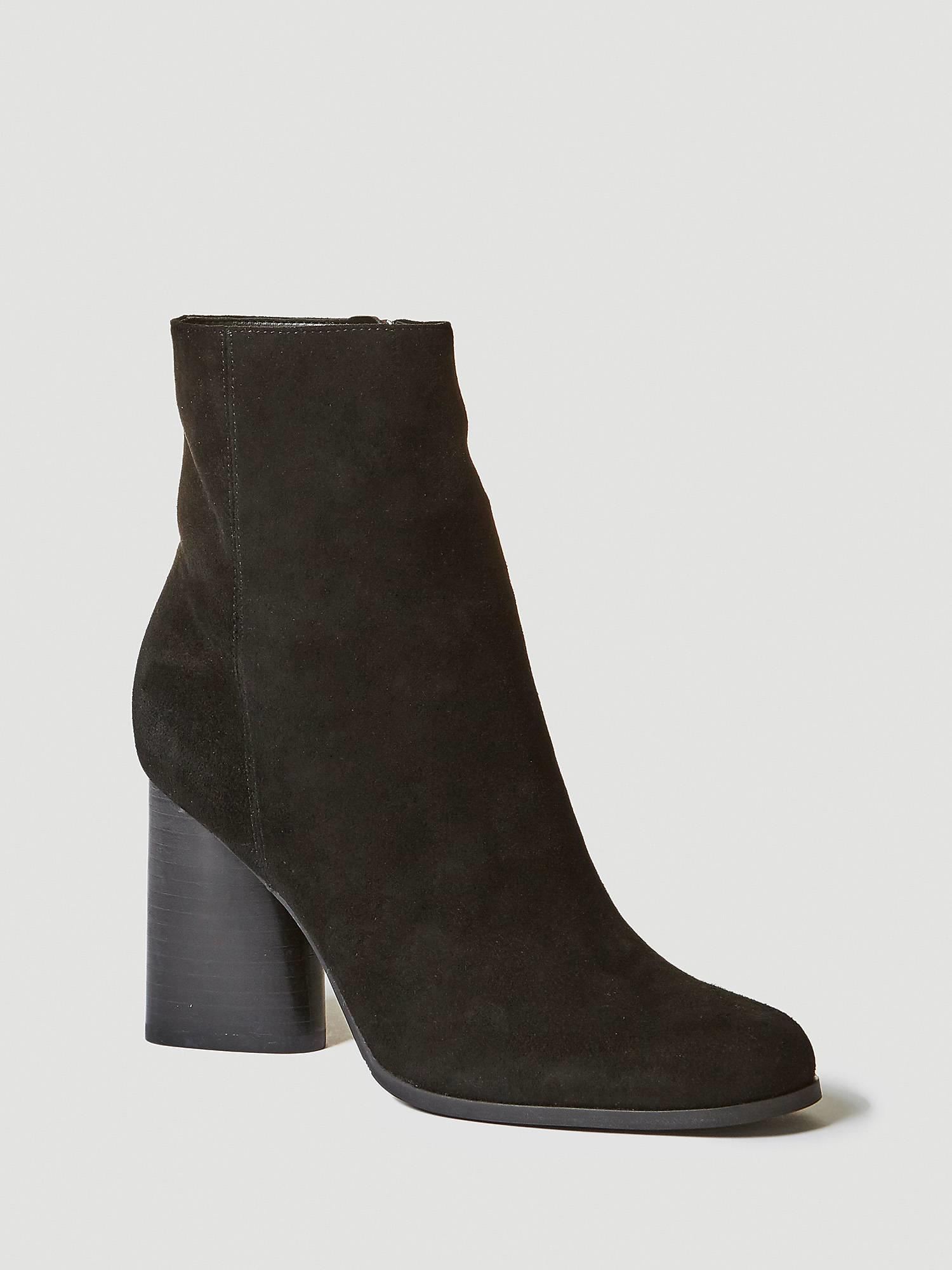 booties-woman-guess.  Black heel ankle boots, a timeless basic