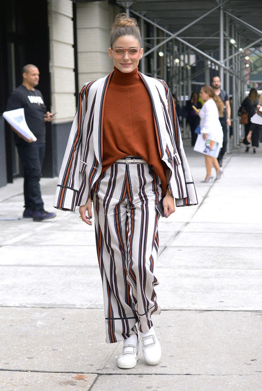 c23a44fd5d7fe Pantalones de mujer estampados más de moda del otoño-invierno 2018 ...