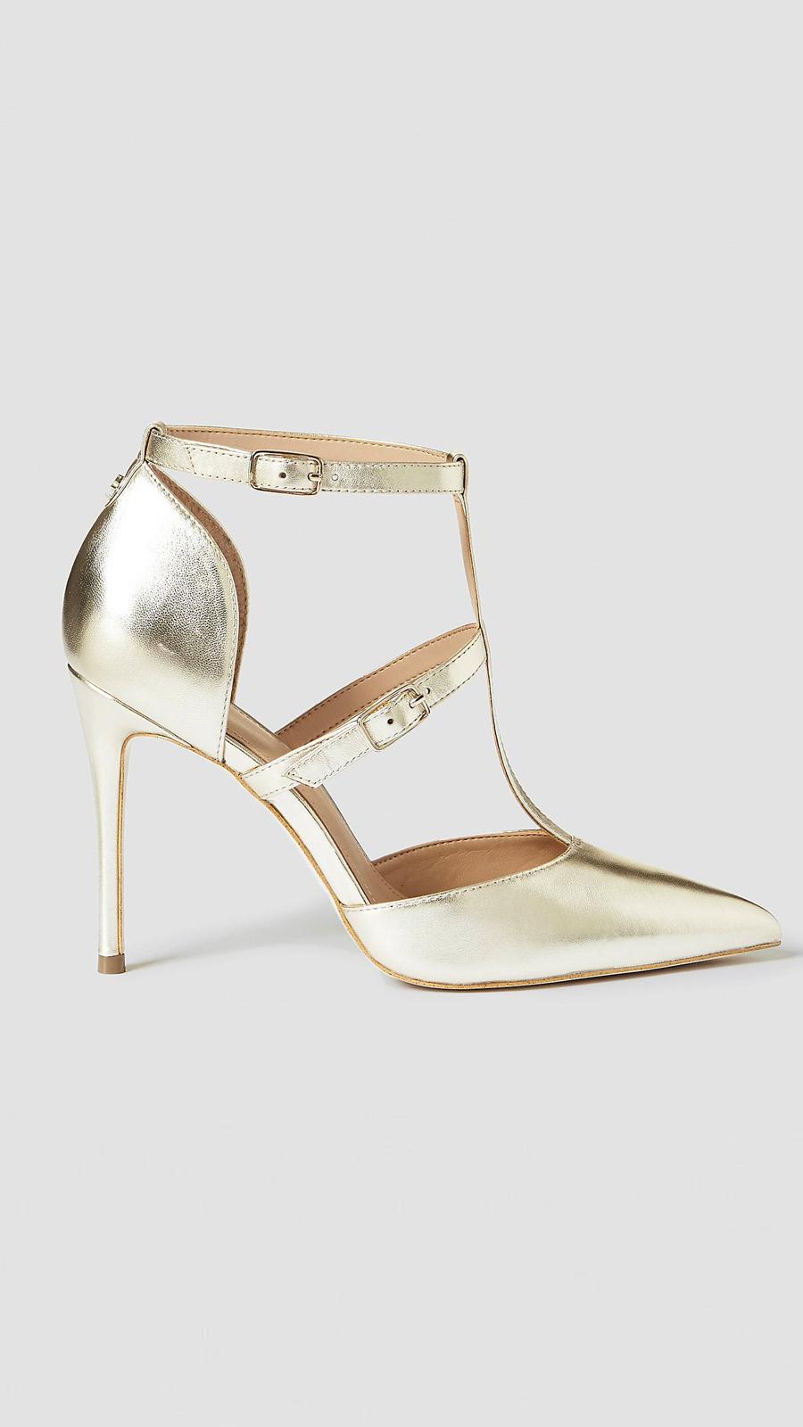 c41acf0f3 Zapato de Salón de piel 165 euros de Guess cómodo de fiesta tacones  dorados. Ni