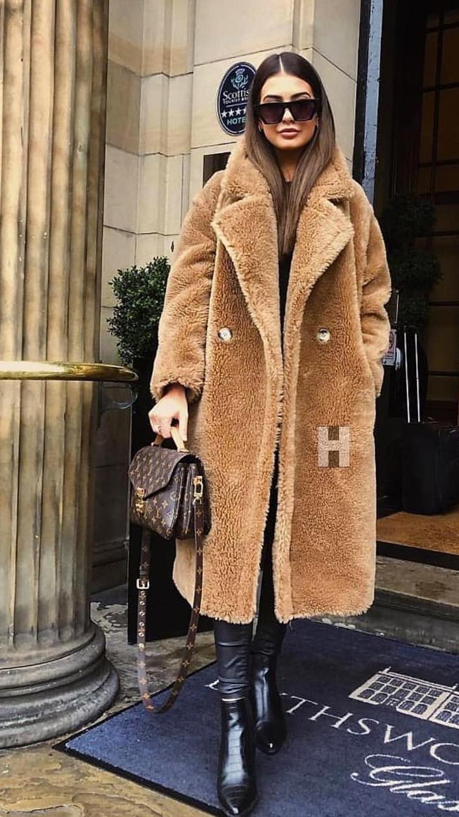 Los 10 abrigos efecto 'peluche' que tu cuerpo necesita para