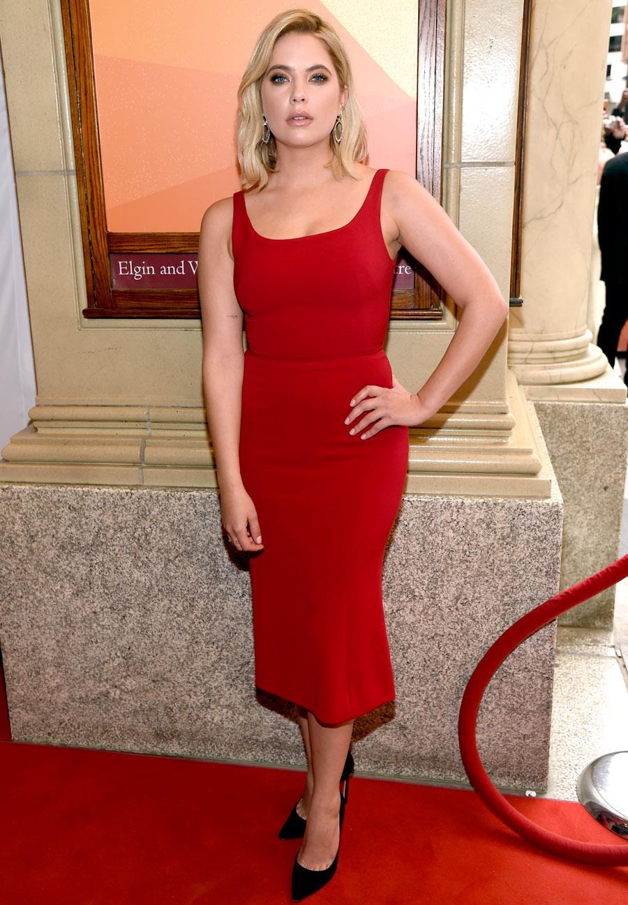 7eaa3b6355e24 como-combinar-un-vestido-rojo-ashley-benson. Vestido rojo