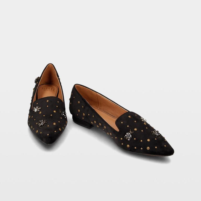 e6b18531 ¿Quién dijo que es obligatorio llevar tacones para salir de fiesta? Con  esta selección de 20 zapatos planos disfrutarás al 100% sin preocuparte por  el dolor ...
