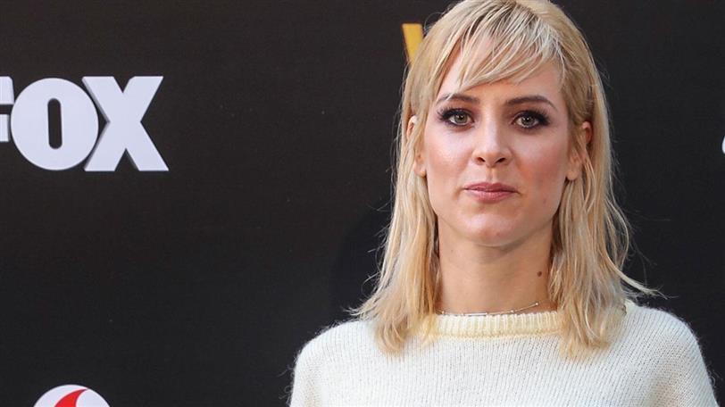 Maggie Civantos tiene el secreto para llevar jersey en looks de ... f843ab4fabf1