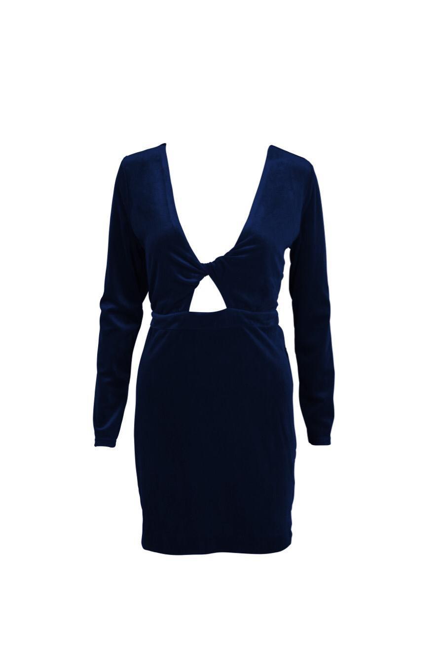 Como combinar un vestido de terciopelo azul