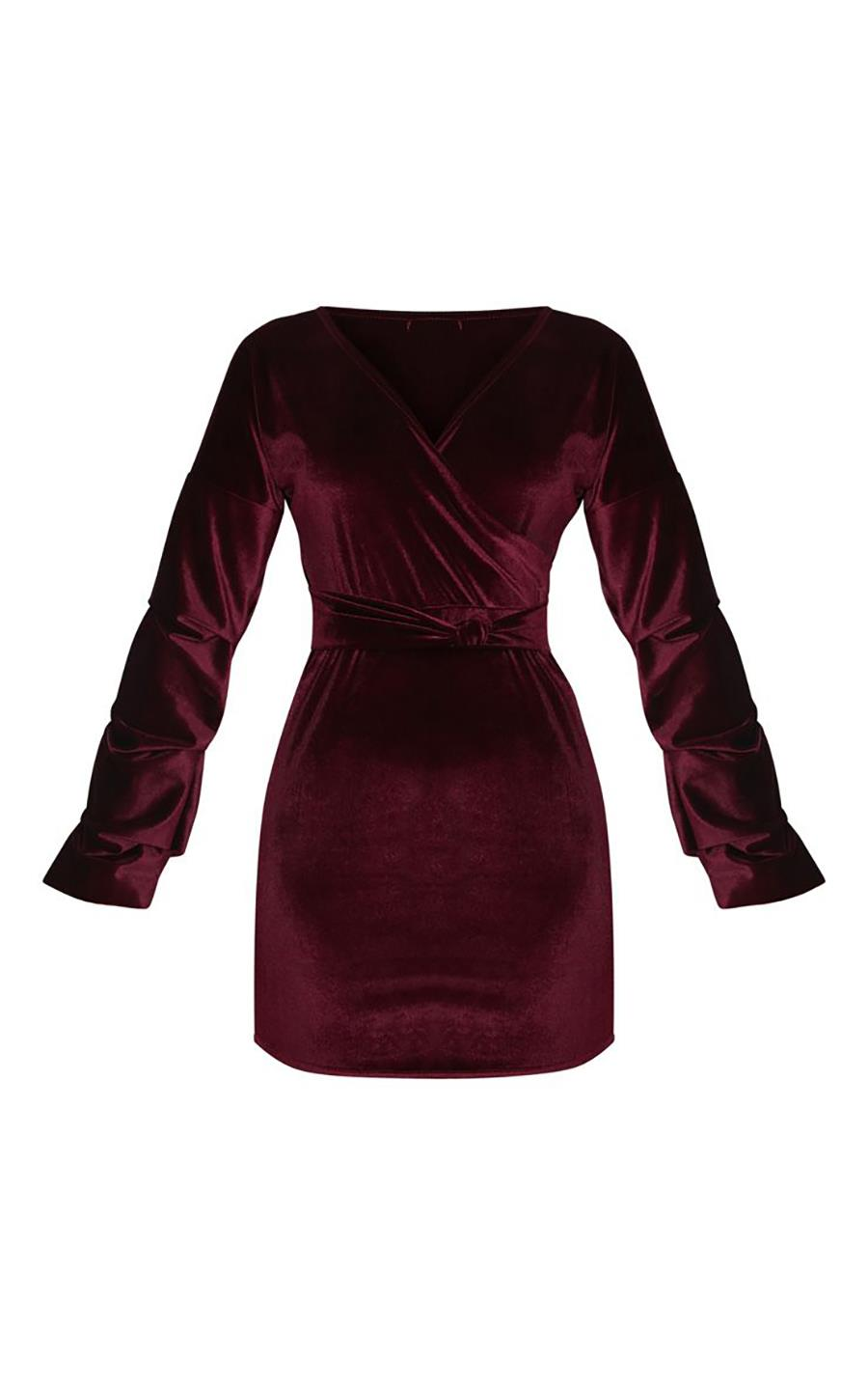 f456aea62 vestido-terciopelo-granate-prettylittlething. Mini vestido de terciopelo  granate