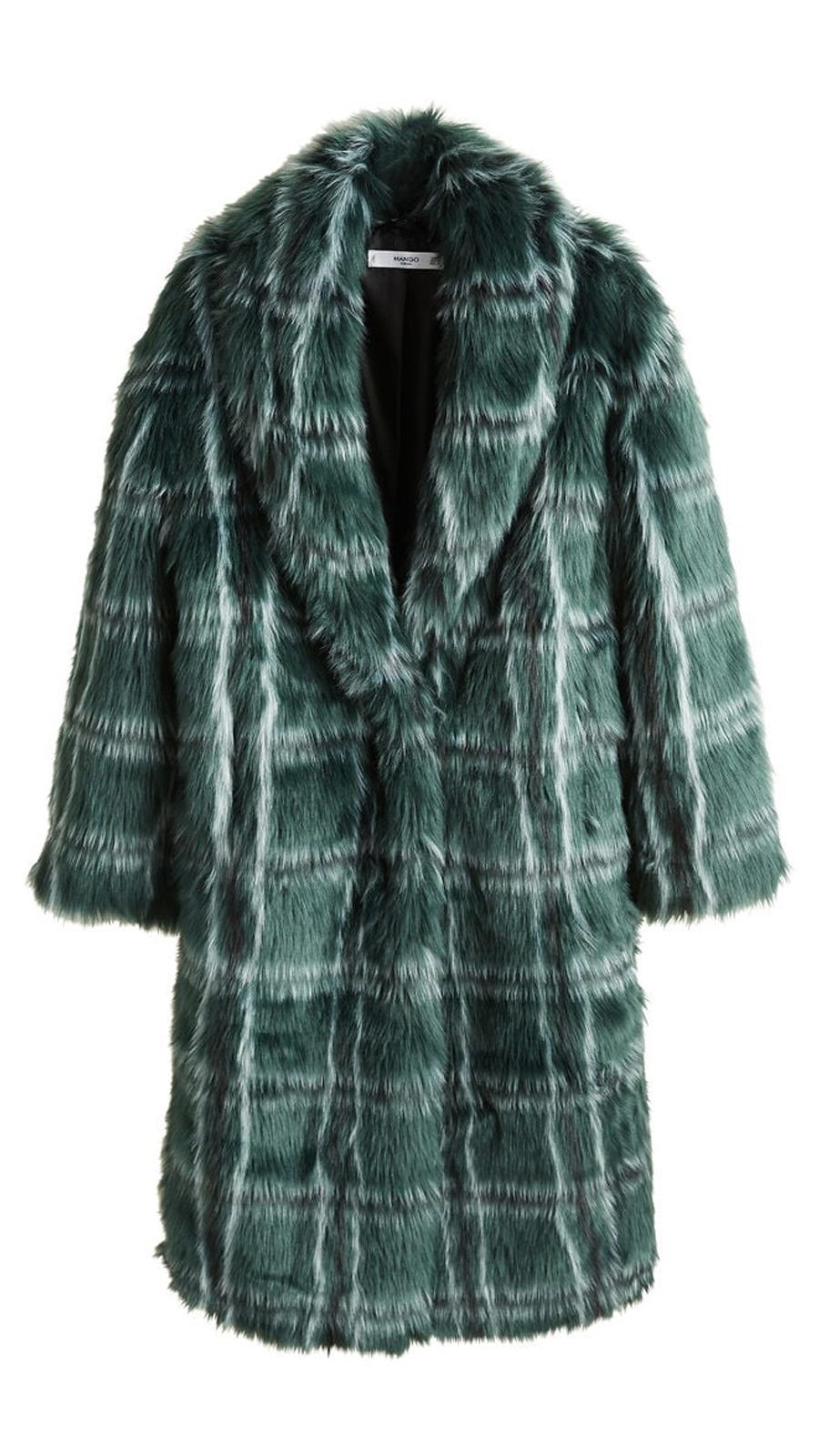 6bfc3a2572f 10 abrigos de cuadros de mujer que están de moda este invierno - InStyle