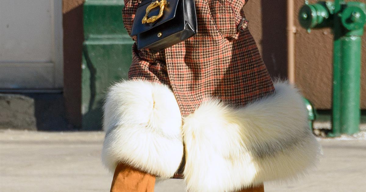 1d131f9ed 10 abrigos de cuadros de mujer que están de moda este invierno - InStyle