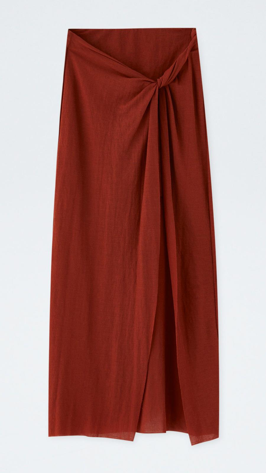 Falda midi con nudo de Pull   Bear Con abertura lateral (19 dbbedb99c7f9