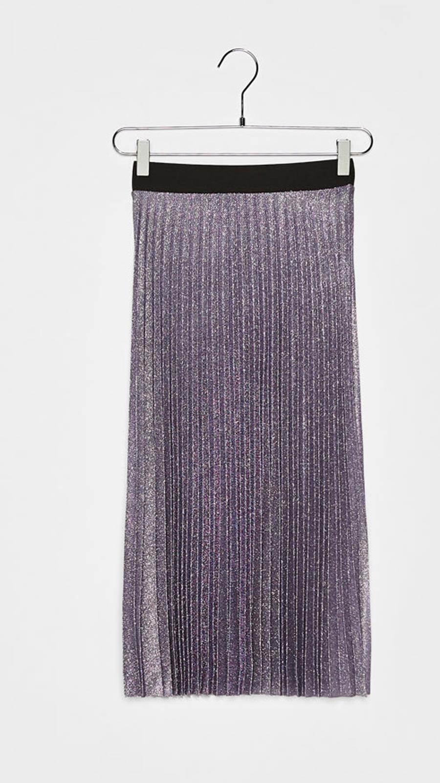 9740ad8f7b Falda midi plisada De Bershka Con efecto brillo en color morado (29