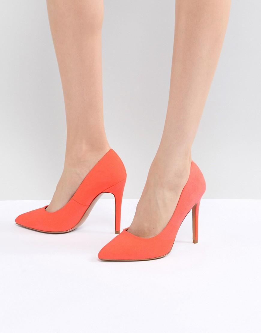be662fbb 43 / 379. Zapatos color coral