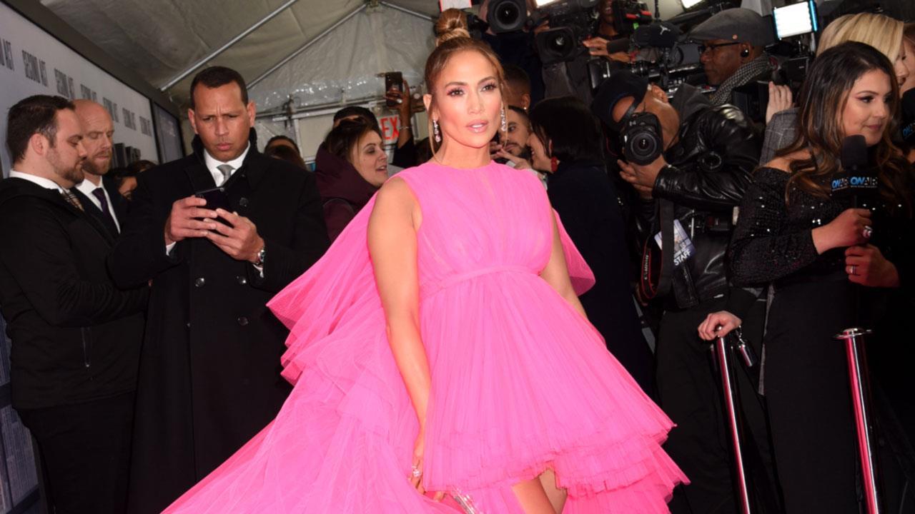 505d1c02d Jennifer Lopez rompe un récord de moda con sus 8 looks en solo dos ...