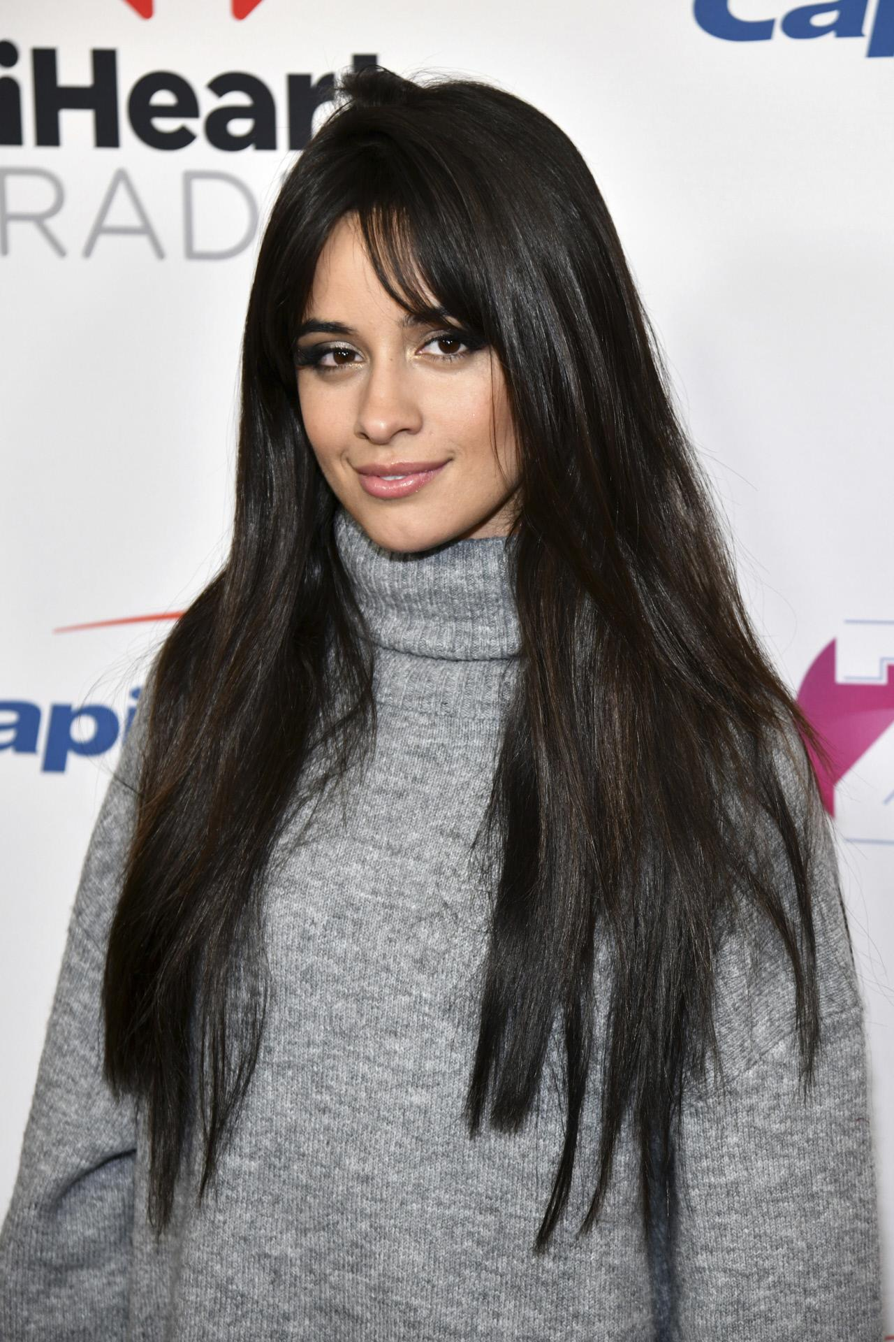 Corte de pelo mujer flequillo largo