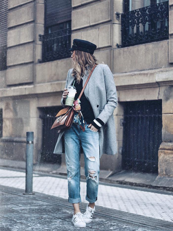 LOOK 1: Abrigo gris + boyfriends y baker boy