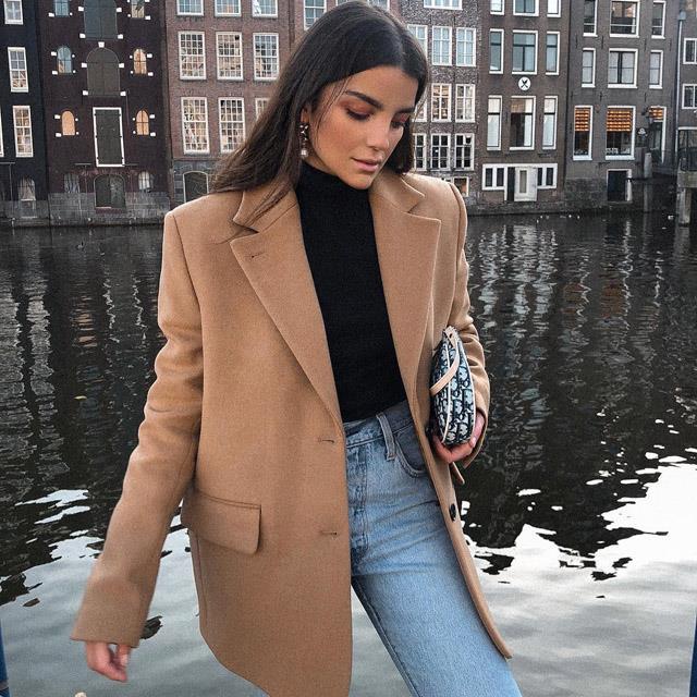 c6815e300501 Cómo parecer más delgada con looks de oficina 2019 - InStyle
