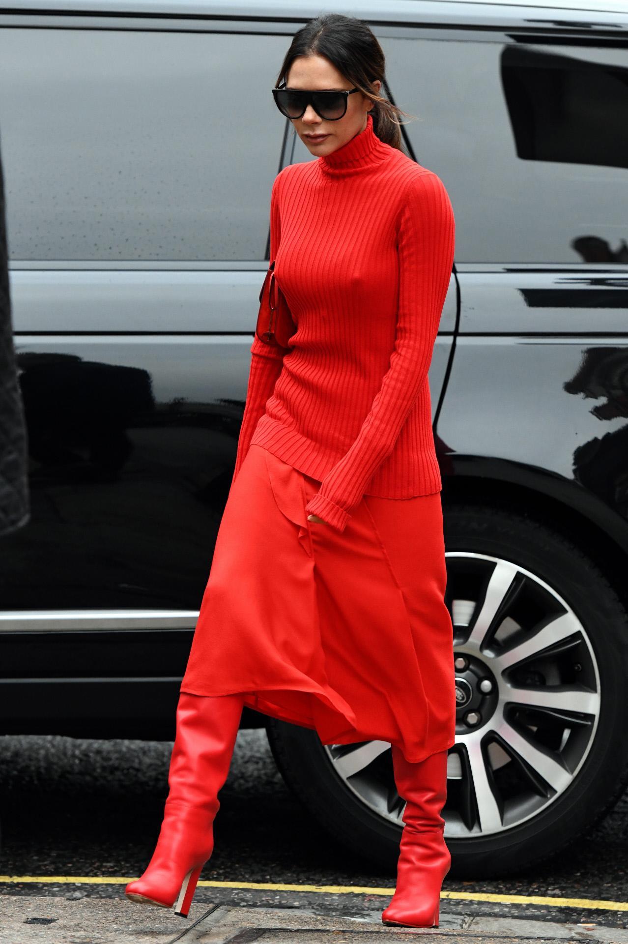b0fb57ef7c11d Botas altas de mujer  las más de moda del 2019 - InStyle