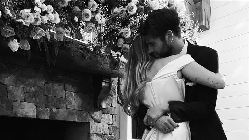miley cyrus reaccionó así cuando se filtraron las fotos de su boda