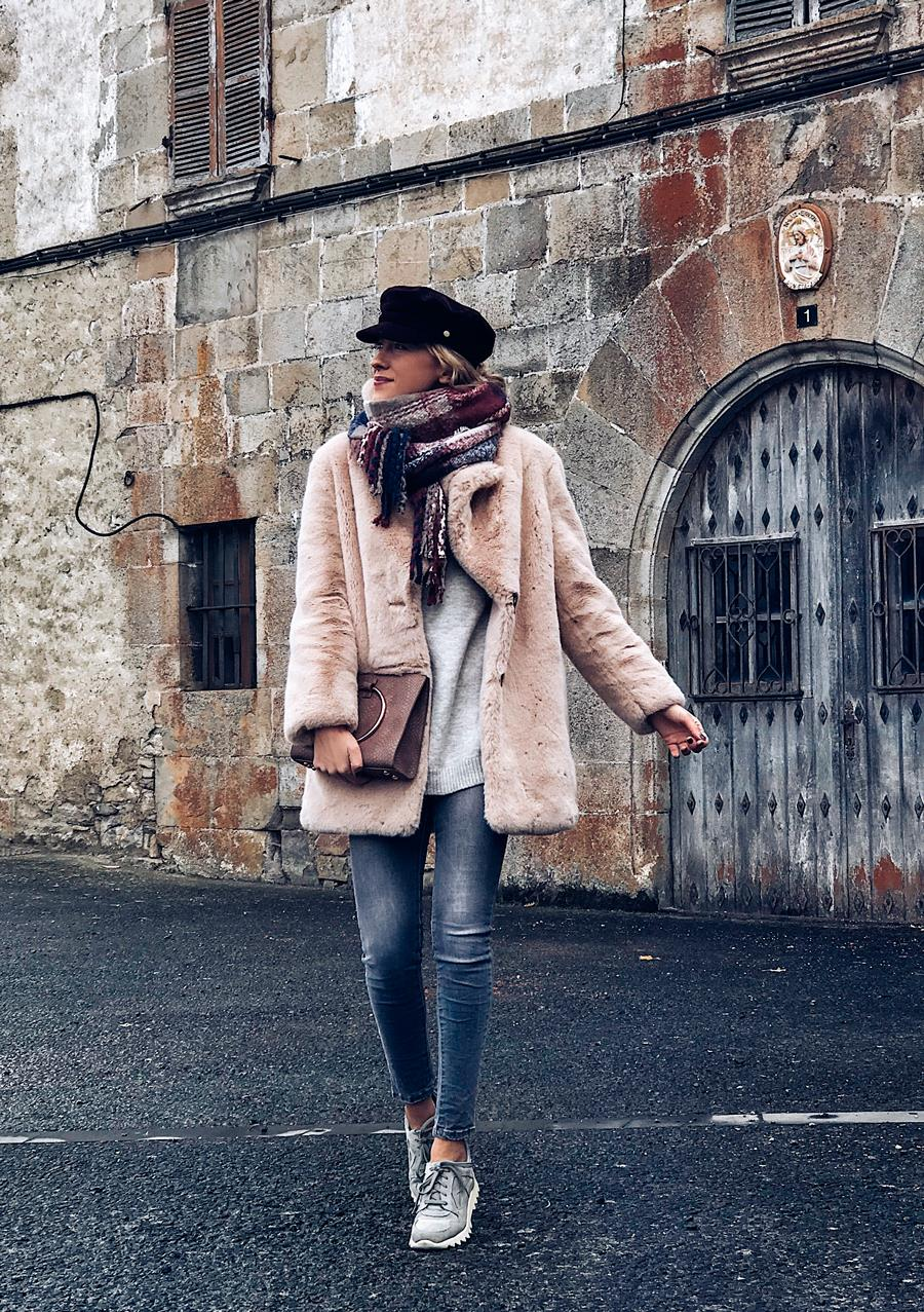 Gorras de mujer: 5 looks de moda, por Look and Chic