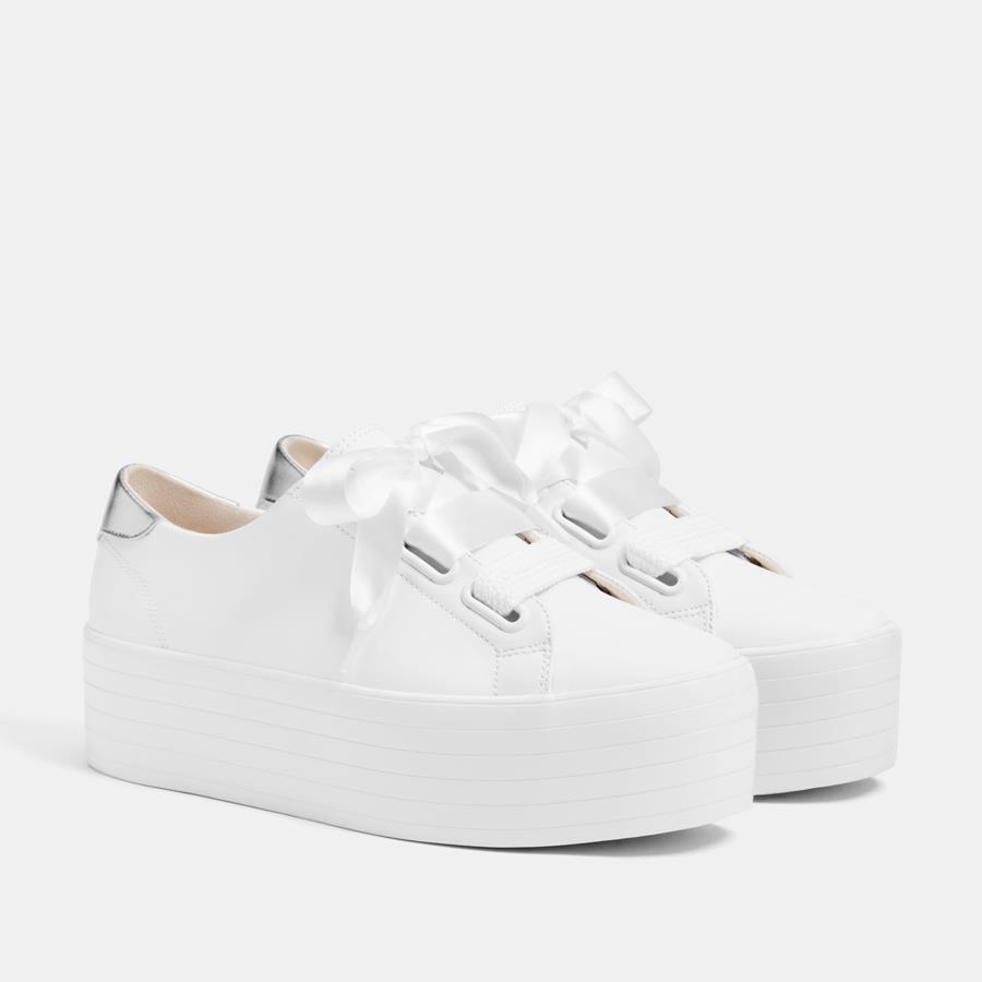 a7f6df1cd80 zapatillas-plataforma-blancas-baratas-bershka. Zapatillas blancas con maxi  plataforma